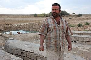 Abu Zahra, who washes cars for a living, is planning to sell one of his kidneys for US$10,000. Nizar Latif / The National