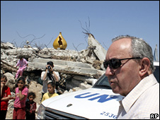 Richard Goldstone visits Gaza in June 2009